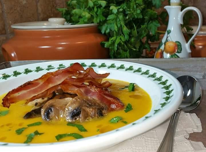 vellutata di zucca con funghi e bacon