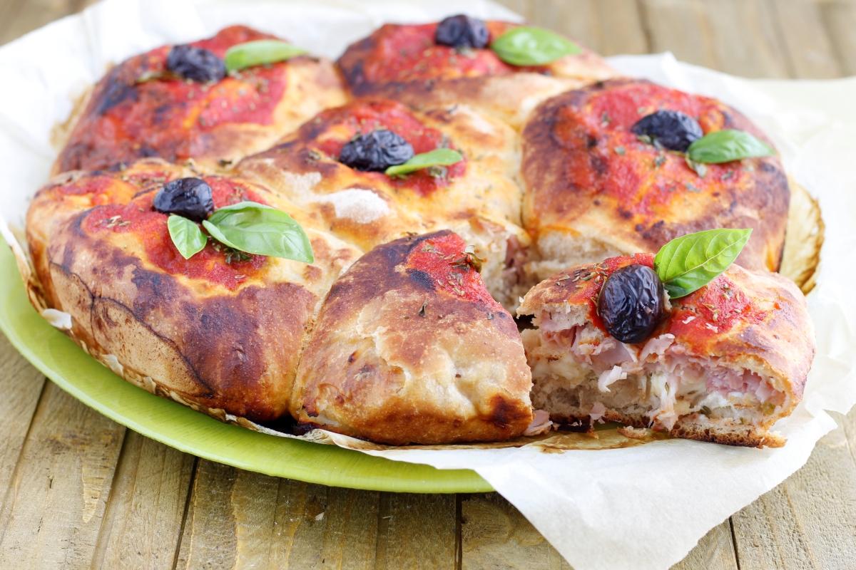fiore di pan pizza con ripieno
