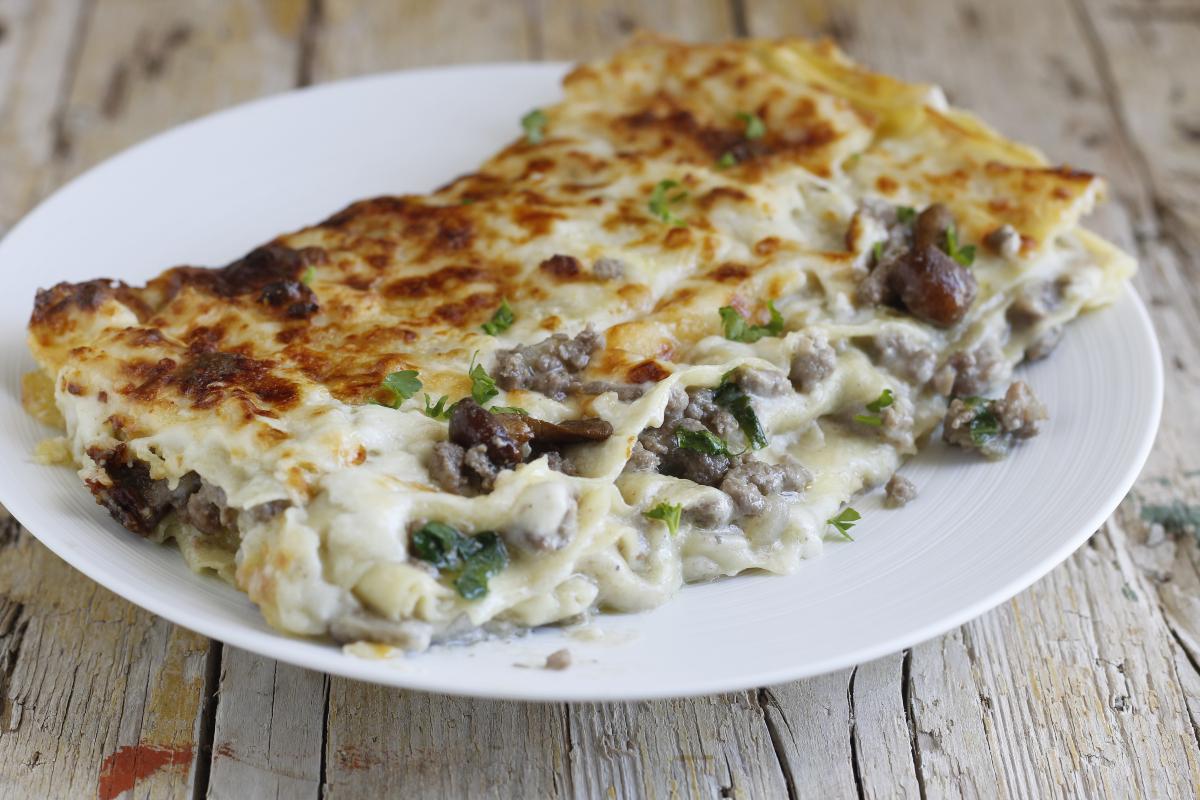 lasagne al ragù bianco e funghi